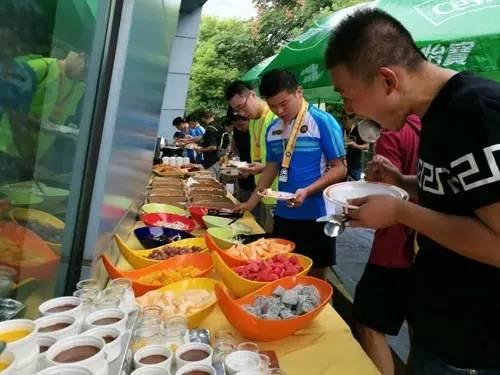 城市英雄室内迷你铁人三项联赛杭州掀狂欢浪潮